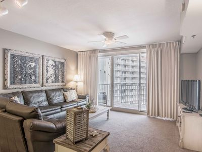 Photo for 17th Floor 1.5 Bedroom 2 Bath, Sleeps 6! Completely renovated with new kitchen