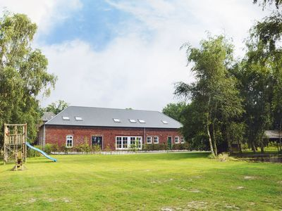 Photo for Luxurious, charming accommodation with en-suite bedrooms, sauna and recreation room