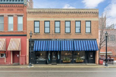 Quintessential Downtown Stillwater experience: Historic meets modern convenience