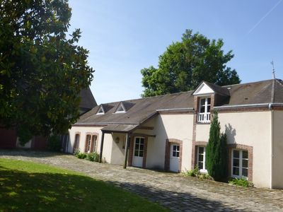Photo for Quiet apartment & greenery / near station and downtown Maintenon