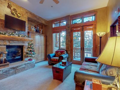 Photo for Ski-in/out condo w/shared pool/hot tub/sauna, private steam room