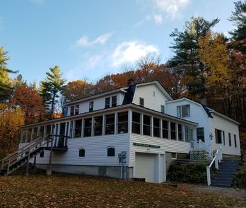 Large Country Style Home minutes from Mount Sunapee