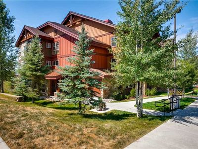 Photo for Deluxe Summer Mountain Condo w/Resort Amenities and in a Prime Location!