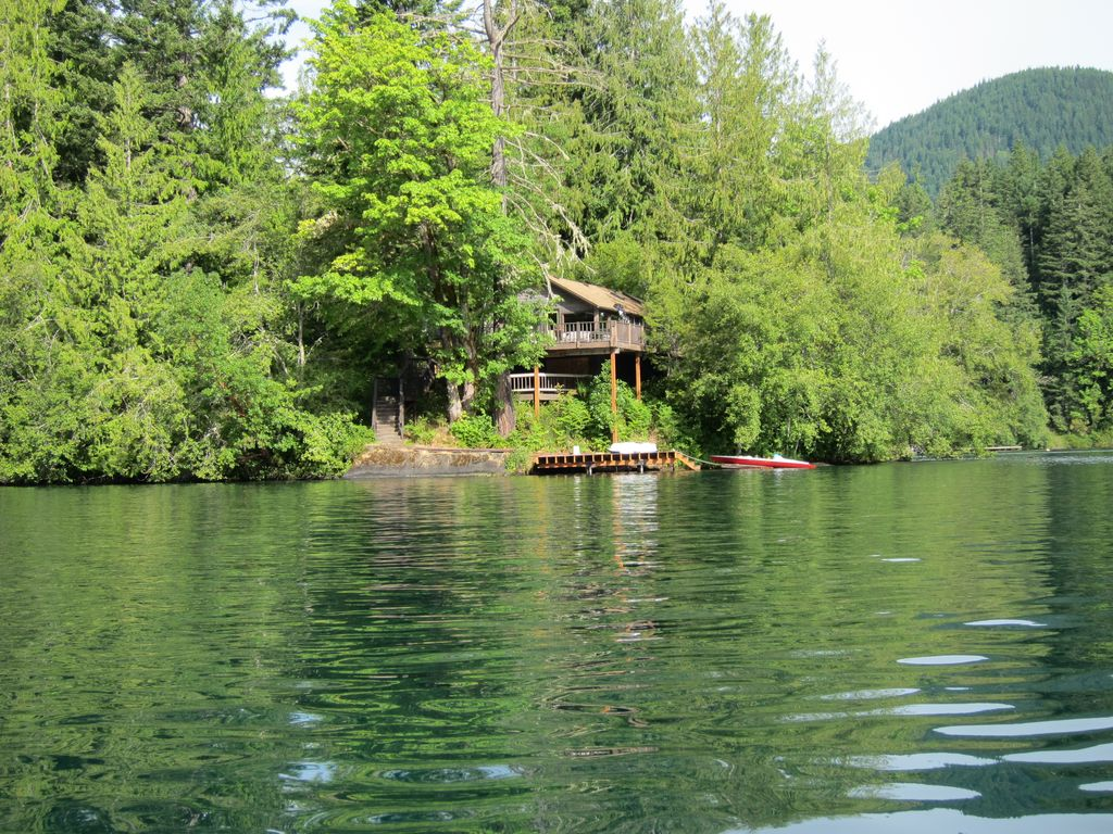 Lake sutherland recreation and retreat prop vrbo for Cabin rentals olympic national forest