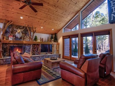 Photo for Luxurious Ski Chalet With Hot Tub - Close to Sunrise!