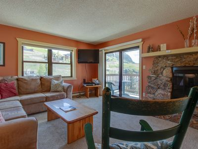 Photo for Mountain view condo w/shared hot tub - walk to Crested Butte Mtn Resort!