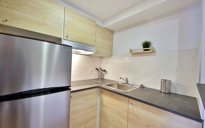Photo for Enjoy your stay in Montreal at Hôtel Newstar - Appart Queen size, kitchen equiped , 2 pers DOUBLE