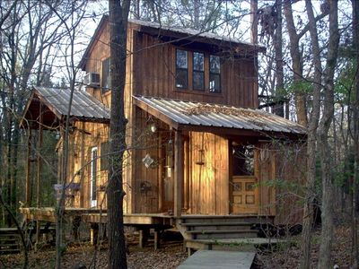 Quiet relaxation is the idea at this out of the way cabin.