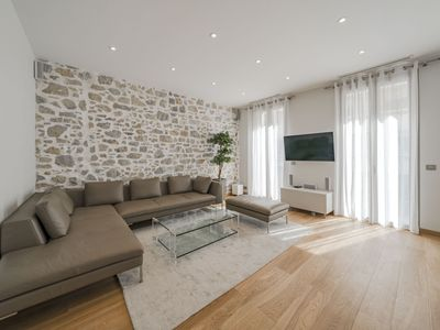 Photo for Luxury 2 bedroom apartment in Rue d'Antibes