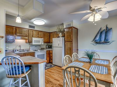 Photo for 2 Bedroom, 2 Bath, 1st Floor Condo - Bedding & Towels Furnished