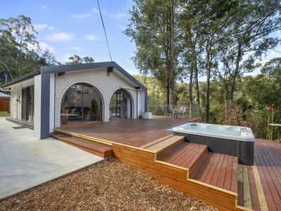 Photo for 4 bedroom with parents retreat. Spa under the stars & campfire.