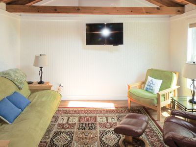 Photo for Dog-friendly cottage w/ shared pool & hot tub - close to beach & golf!