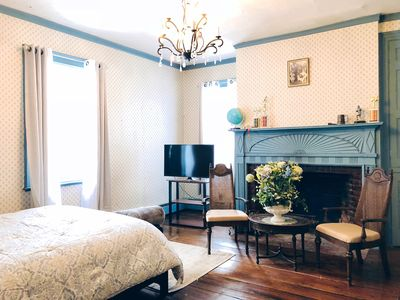 Suite in Ideal Location (Next to Woodbury Commons)