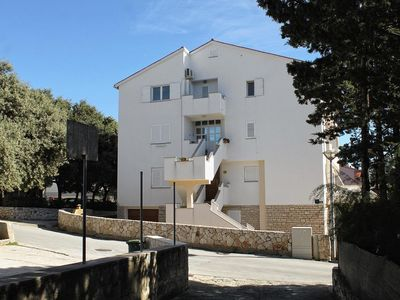 Photo for Studio flat with air-conditioning Novalja, Pag (AS-12413-c)