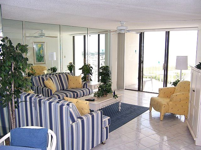 Marco island holiday condo tower 2 17th floor cheri for 17th floor concert schedule