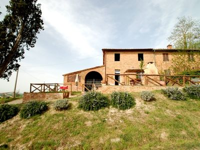 Photo for holiday vacation apartment rental italy, tuscany, near siena, buonconvento, pool, wi-fi, central tuscan location, near f