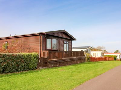 Photo for SEA VIEW LODGE, with pool in West Quantoxhead, Ref 924003