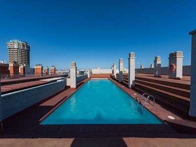 Photo for Central studio with roof top pool