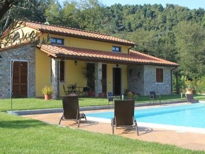 Photo for Massa Pisana: Villa with pool and big garden at only 3 km far from the centre