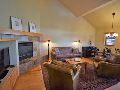 Photo for New! SKI-IN Mtn Chic Condo, Hot Tub, FP, Soaking Tub, Garage, Walk to town