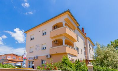 Photo for Holiday apartment Medulin for 1 - 7 persons with 2 bedrooms - Holiday apartment