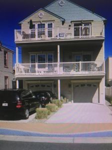 Photo for TOP Floor - 1.5 blocks from beach - WEEKEND RENTALS TOO