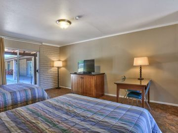 Rustic Motel Room #1 at Roosevelt Resort Park! Popular spot for water sports, fishing & tourists!