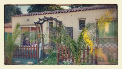 Photo for Apartment with terrace and private parking between sea and camargue
