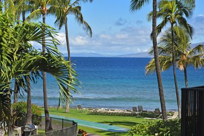 Views of the Pacific, Molokai and Lanai