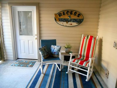 Photo for Bright And Cozy Two Room Unit,  Close To Beach And Sound -- Perfect  For Two!