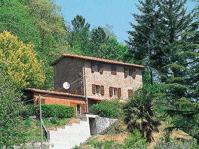 Photo for Apartment Fattoria di Pietrabuona  in Pescia (PT), Pisa - Lucca surroundings - 8 persons, 4 bedrooms