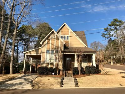 Photo for Beautiful, Charming Home located only 1/2 mile from famous Oxford Square