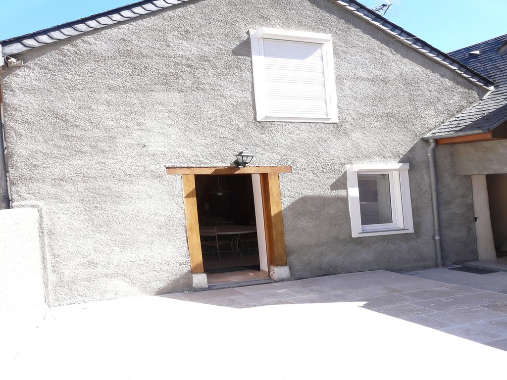 A marignac 70m2 house all conford with enclosed for Homes with enclosed courtyards
