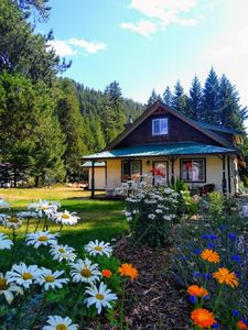 Photo for Clean cabin w/ hot tub & mountain views. WIFI, cell service, smart big screen TV
