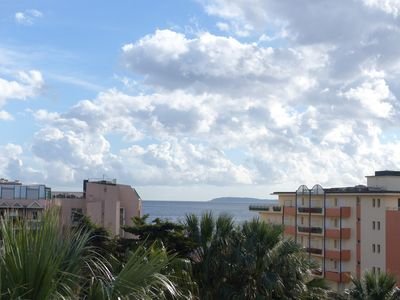 Photo for BEAUTIFUL 2 ROOM APARTMENT CLIMATISE -CENTRE LE LAVANDOU