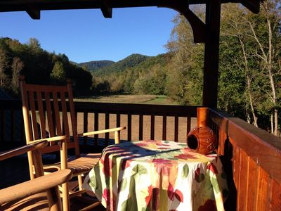 Romantic Getaway for two ...Private, Creekside getaway on 26 beautiful acres !