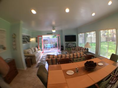 Jekyll Room with Farm Table