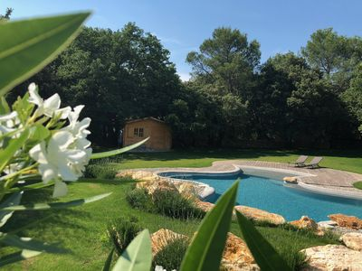 Photo for Villa 6 people, lagoon pool, between Aix-en-Provence, Luberon and Alpilles