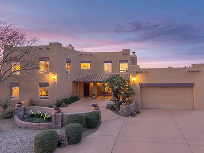 Photo for The Winston: 5 bedrooms, 3 w/private bathrooms! Great location, mountain views