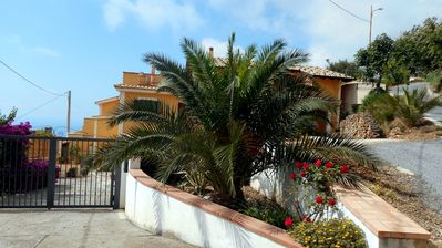 Photo for Villa with ocean view and peaceful setting, minutes by car to the beach