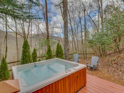 Photo for Chalet with mountain views -- fireplace, deck and outdoor hot tub!