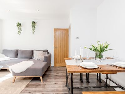 Photo for Two double bedroom serviced apartment