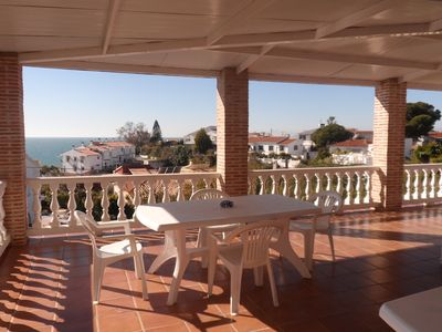 Photo for Private swimming-pool, terraces, barbecue area, 3-minute walk from the beach