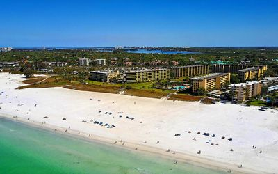 Photo for Beachfront Resort Style Living - Siesta Beach