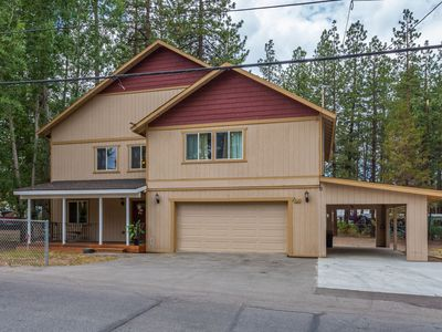 Photo for PERFECT FAMILY HOME FOR YOUR WINTER STAY. CLOSE TO SLOPES. LARGE 4 BEDROOM HOME