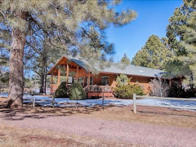 Photo for Beautiful Cabin On The Pinetop Lakes Golf Course
