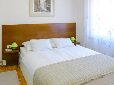 Photo for House in the center of Stari Grad with Parking, Internet, Washing machine, Air conditioning (925275)