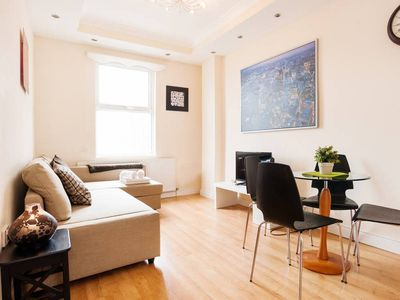 Photo for KING'S CROSS APARTMENT top location SLEEPS 4!!!!