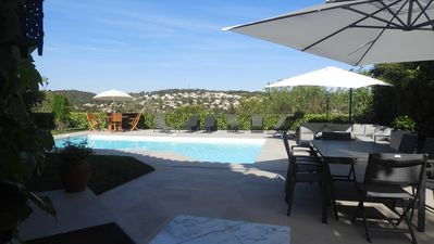 Photo for Villa 8 pers, garden, pool, great views, quiet, 8km from Montpellier