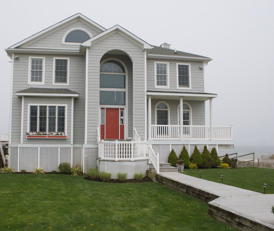 Hamptons Rentals By Owner: DUNE ROAD Home W/ Amazing Sunsets And Pool And Bay Beach